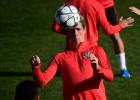 El Atleti prepara el partido ante el PSV con Torres recuperado