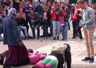 La Fiscalía investigará las humillaciones de los hinchas del PSV a mendigos en Madrid