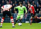 El Ajax dinamita la liga holandesa tras ganar al PSV