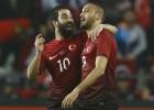Arda y Tosun dan la victoria a Turquía frente a Suecia