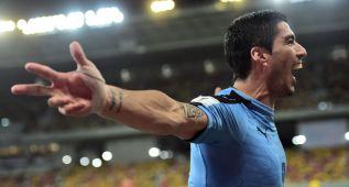 Luis Suárez marca y brilla en Brasil ante un Neymar gris