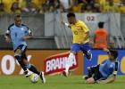 El azulón Pereira fabricó los dos goles de Uruguay en Brasil