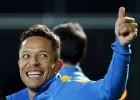 Adriano, diez días de baja: lesión en los isquiotibiales
