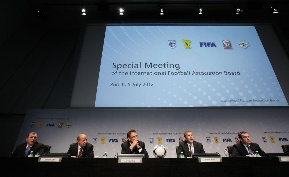 Las modificaciones que evalúa la FIFA y cambiarían el fútbol para siempre