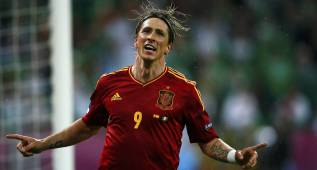 Torres presenta candidatura para la Eurocopa y Alcácer golea