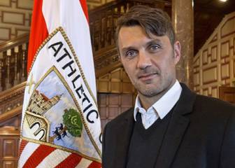 Maldini recibe en San Mamés el 'One Club Man Award'