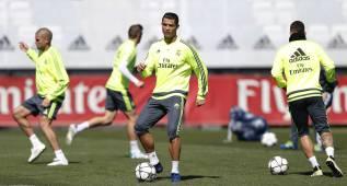 Cristiano se ejercita con balón y confía en estar ante el City