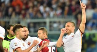 Totti, otra vez decisivo: marcó e inició la remontada del Roma