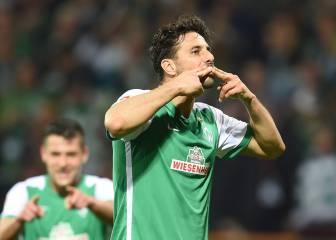 El Werder Bremen golea y escapa del descenso