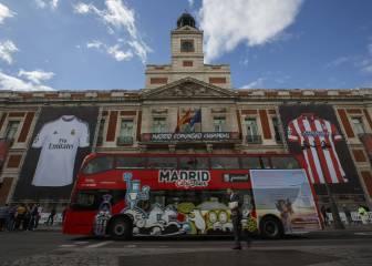 La Puerta del Sol homenajea a Real Madrid y Atlético