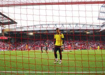 Areola y Musacchio entran en el once titular en Anfield