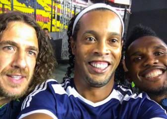 Ronaldinho, Eto'o y Puyol jugaron juntos una vez más