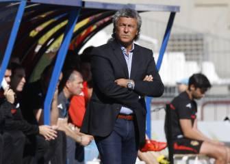 El Almería destituye a Gorosito