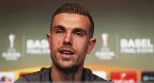 Jordan Henderson se recupera a tiempo y estará en Basilea