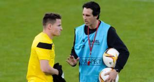 Charla entre Gameiro y Emery al final del entrenamiento