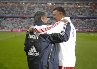 Sun: Mourinho sería entrenador y Van Gaal director deportivo