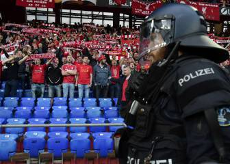 La UEFA abre expediente a Liverpool y Sevilla