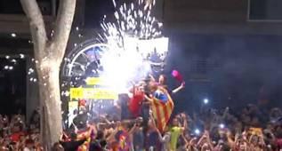 La afición del Barça abarrotó la fuente de Canaletas