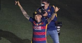 """Alves: """"Somos los mejores del mundo y lo demás, chorradas"""""""