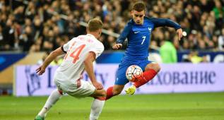 """Evra: """"¿El francés más talentoso? Griezmann; Pogba se enfadará"""""""