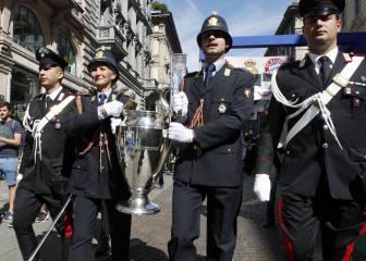 El trofeo de la Champions ya se exhibe ante el Duomo