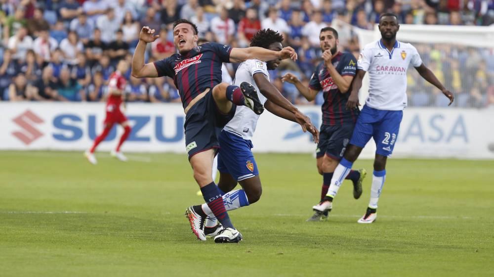 El Zaragoza no puede contra un Huesca que se quedó con diez