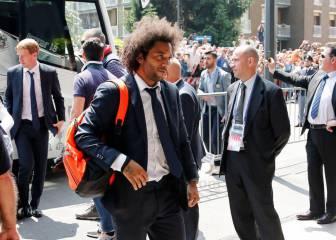 Más de 500 aficionados recibieron al Madrid en Milán
