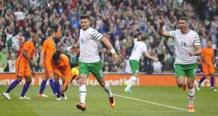Irlanda empata con Holanda en Dublín; Irlanda del Norte golea