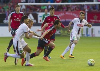 El Huesca gana en Pamplona y certifica su permanencia