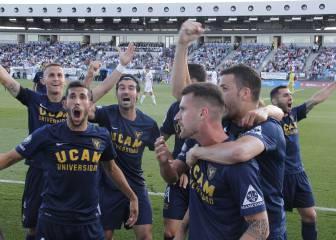 El Castilla no puede con el UCAM, que asciende a Segunda