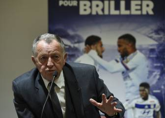 Aulas no descarta vender a Lacazette al PSG: '¿Por qué no?'