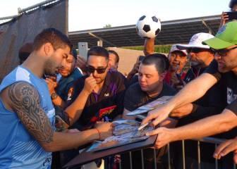 Suárez entrena con Uruguay y podría jugar la fase de grupos