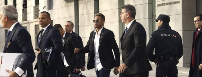 La Fiscalía de la AN pide que se juzgue a Neymar por corrupción