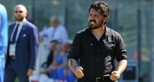 Gattusso recibe un botellazo en el ascenso del Pisa a la Serie B