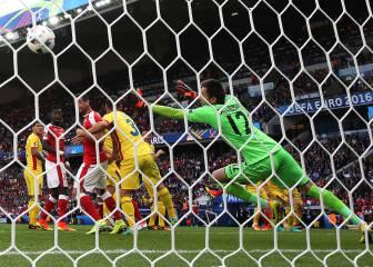 Un gol de Mehmedi deja a Suiza a las puertas de octavos