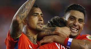 Chile golea a Panamá con dobletes de Vargas y Alexis