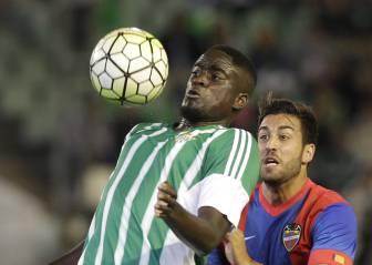 Betis y Villarreal negocian el traspaso de Alfred N'Diaye
