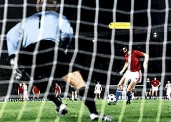 Panenka inventa el penalti que no existe (1976)