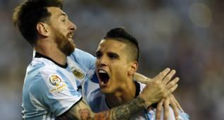"""Lamela: """"Todavía falta para poder cortarle la barba a Messi"""""""