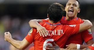 Chile gana bajo diluvio y reedita final de Copa contra Argentina