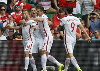 Fabianski frena a Suiza y Xhaka da gloria a Polonia de penalti