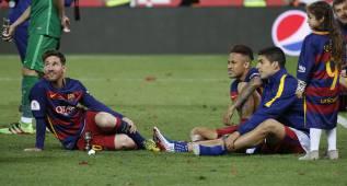 """Suárez: """"Digan lo que digan, Messi será el mejor de la historia"""""""