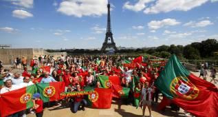 París se engalana para acoger hoy la gran final de la Eurocopa