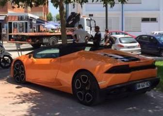 Batshuayi multado por dejar el Lamborghini bajo un árbol