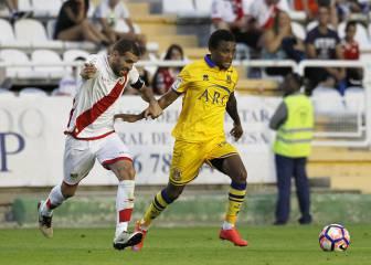 El Rayo gana con solvencia en el Estadio de Vallecas
