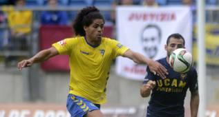 El Cádiz ficha en propiedad a Aridane por tres temporadas