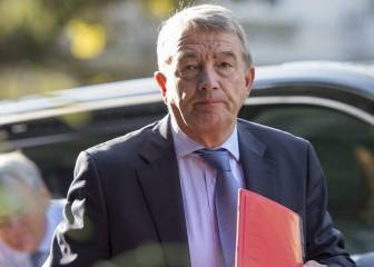 FIFA suspende al ex presidente del fútbol alemán por un año