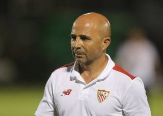 La AFA pregunta a Sampaoli si dirigiría a Argentina y Sevilla