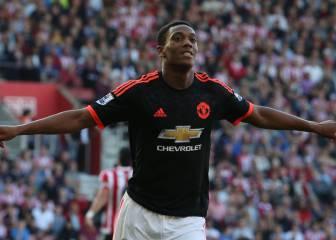 Martial sigue otra vez al United en Twitter tras perder el 9