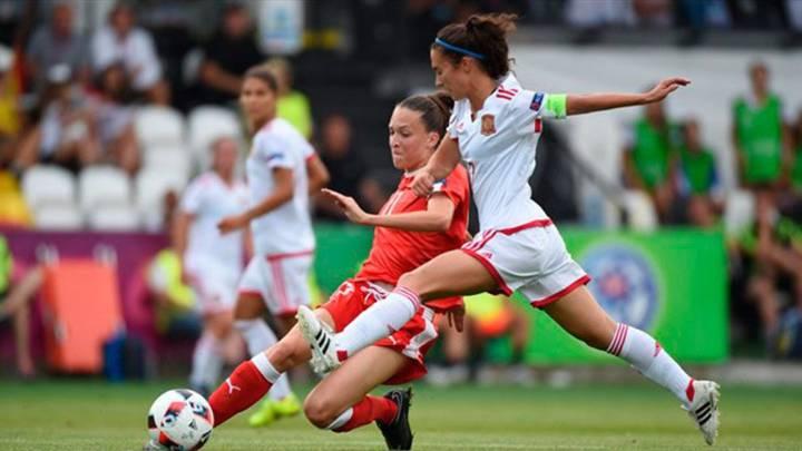 España golea a Suiza y llega a semifinales como líder de grupo